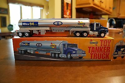 Sunoco 1994 Collector's Edition Toy tanker Truck 1st in Series