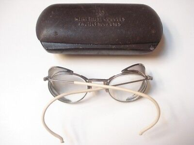 Good Condition Vintage American Optical Fulvue Goggles with Metal Case