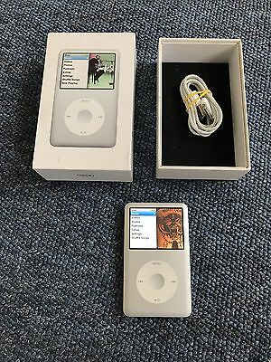 Apple iPod Classic 120GB A1238 7th Generation Boxed + Apple USB cable Bundle