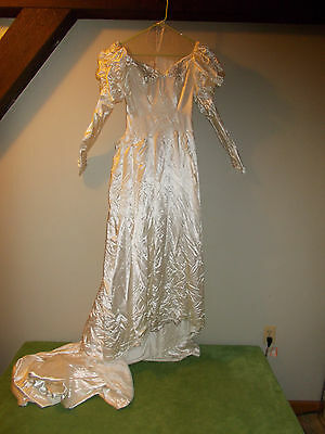 vintage 1940's Liquid Satin Bridal Wedding Gown with Lamb Mutton Cap Sleeves S/M