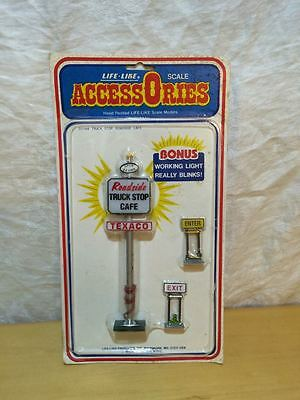 New, Life-Like O Scale Accessories, Truck Stop Roadside Cafe 1144, Lighted