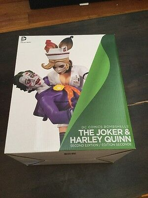 ***CLEARANCE*** DC Comics Bombshells Joker and Harley Quinn Statue 2nd Edition