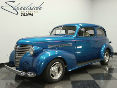 1939 Chevrolet Master Deluxe  350 V8, AUTO, IFS W/ DISCS, PS, R134 a A/C, SUPER STRAIGHT, NICE PAINT, SHARP 39