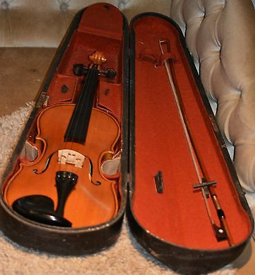 Vintage 3/4  Violin + vintage 3/4 Bow + coffin case