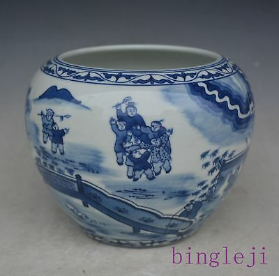 Chinese porcelain blue and white porcelain hand painted cans pot