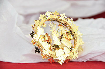 Danbury Mint 23kt Gold plated Christmas Ornament * 2011 Carolers in Wreath