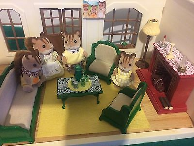 Sylvanian Families RARE VINTAGE LIVING ROOM FURNITURE AND SQUIRREL FAMILY