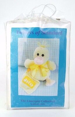Knitted Daizy Duck Kit - Knitting Kit