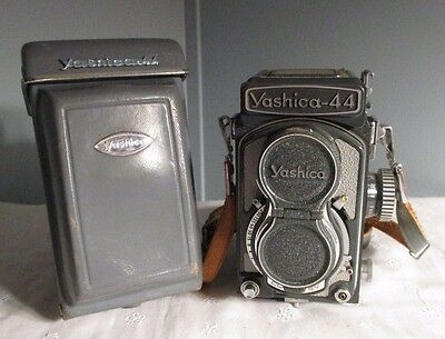 Vintage Yashica 44 Camera With Case 127 Film Gray