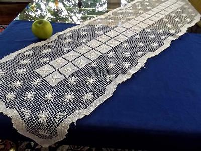 Antique Italian Off-White Hand Knotted Net Darned Filet Lace 15x48 Table Runner