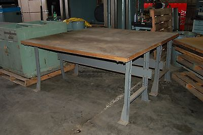 Industrial work bench with lambs tongue legs