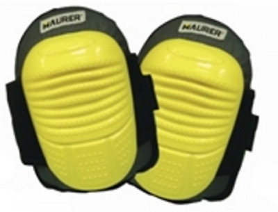 With Gel knee pads Maurer Construction