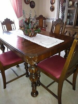 Antique  Kroehler Dining table and 6 chairs