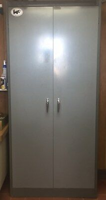 Metal Storage Cabiinet, grey, used