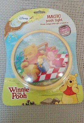 Lampe veilleuse ronde Disney Winnie Magic Push light images qui change Neuf