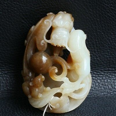 China Exquisite Hand-carved Dragon carving Hetian jade statue / pendant