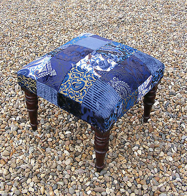 Lovely Decorative Vintage Antique Style Bedroom Footstool Foot Stool Wooden Legs
