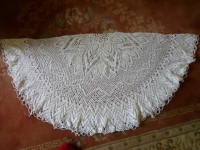 A Beautiful Vintage Hand Crochet Lace Tablecloth - Off White