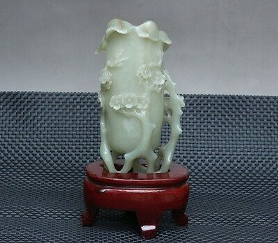 China Exquisite Hand-carved Plum blossom carving Hetian jade Pen holder