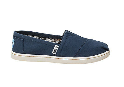 NEW Toms Youth Classic Canvas Slip on Navy MSRP $40 F