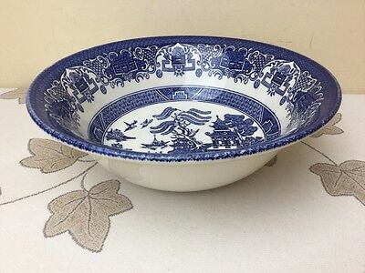 Blue Willow Serving / Salad Bowl Superb Condition 22cm