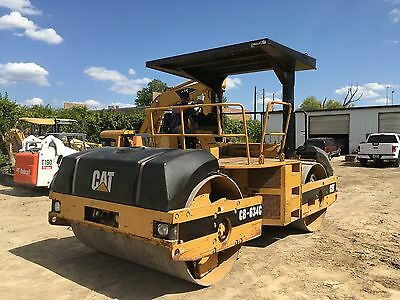 "2002 Caterpillar CB634C 84"" Smooth Double Drum Asphalt Roller Compactor; 5074HRS"