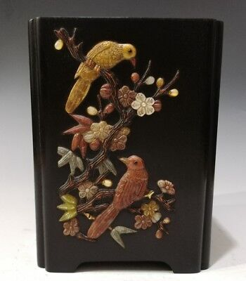 China Exquisite Hand-carved flower bird carving Wooden mosaic shell Pen holder