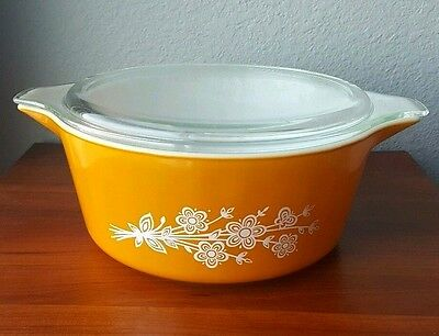 Pyrex Butterfly Gold Large Orange Flower 475 Casserole Dish Vintage 2.5 QT Bowl