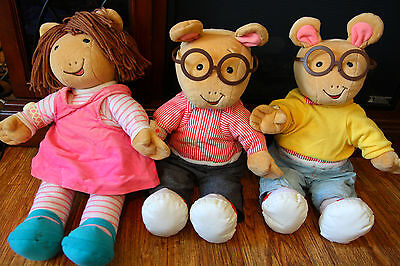 Arthur the Aardvark and D.W. Doll Lot Actimates 1998 Rare Stuffed Plushes As Is