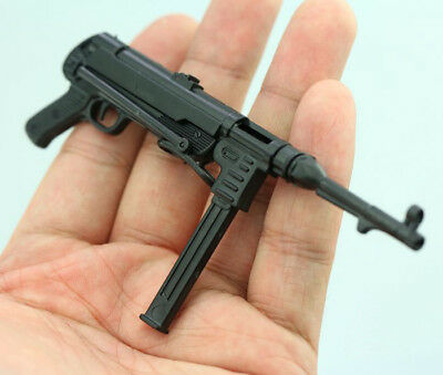 1:6 Scale Weapon Model 4D Assembled World War II German Submachine Gun MP40 Toy