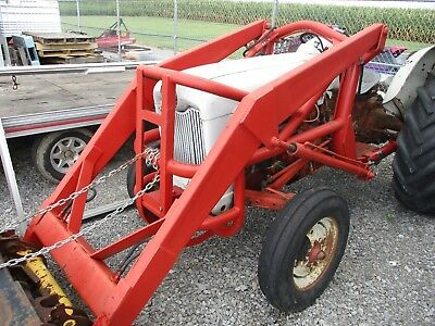 Ford 800 Series Tractor Loader