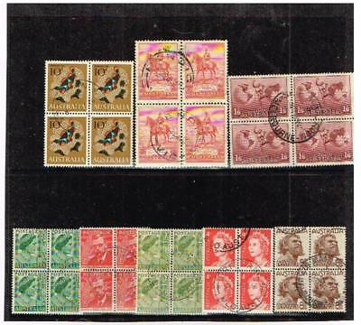Australia, small acumulation of stamps in blocks of four. (A/2)