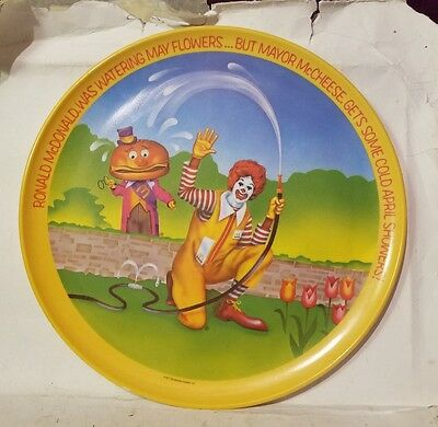 Vintage 1977 Ronald McDonalds Plastic Dinner  Plate April Showers Mayor McCheese