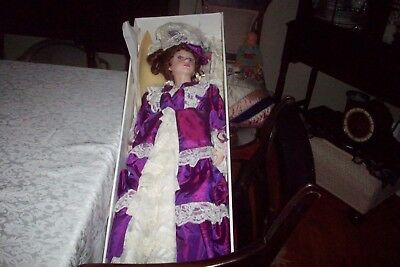 """OLD Court Of Dolls - LARGE 29"""" Fine Porcelain Doll W/ORIG BOX ALL IN MINT COND"""