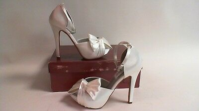 NEW: Dyeable Bridal/Evening Shoes - Jay - Silver - US 5.5B - UK 3.5  #40B240