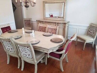 Dining Room Set; New Condition