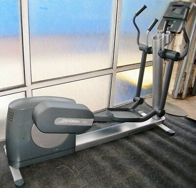 Life Fitness 95xi Elliptical Crosstrainer (Remanufactured)