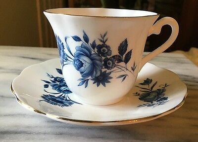ELIZABETHAN FINE BONE CHINA BY TAYLOR & KENT ENGLAND Blue Floral CUP AND SAUCER