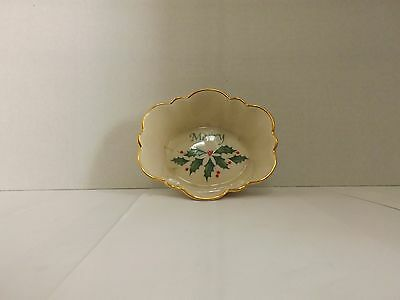 Lenox Oval Flutted Dish Merry