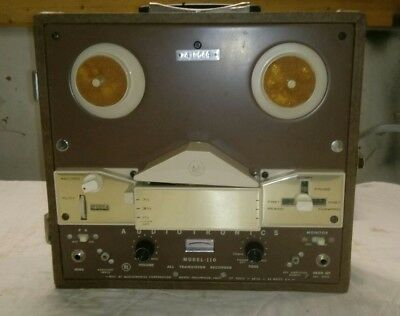 Vintage Reel to Reel Model 110 by Audiotronics powers on A02