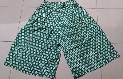 Women's vintage size 14 retro green four leaf clover culottes 3/4 length