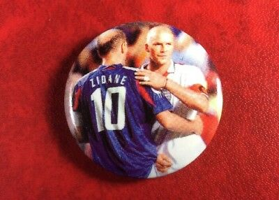 Pin Button Badge FOOTBALL MADE IN RUSSIA N°10 Zinedine ZIDANE. Vintage.