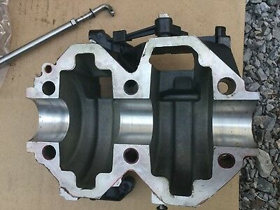2006 Mercury 20Hp 25Hp Cylinder Block One Side 9533T40 Jet 20
