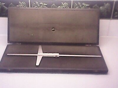 Vintage Moore & Wright Boxed 0 to 14.6 inches or 36 cm depth gauge