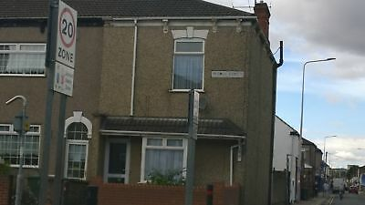 3 bed end terrace (no chain) freehold,off street parking