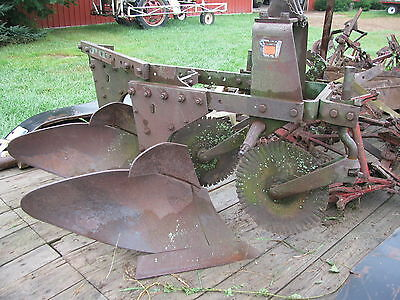 Oliver Two Bottom 3242 16 Inch Three Point PLow