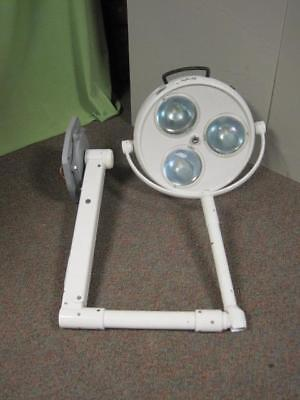 Skytron Infinity IN19 Post Mount Dental Surgical O/R Operatory Light Lamp w Base