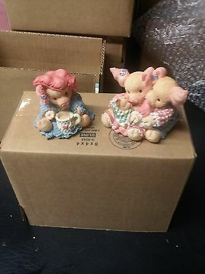 2 THIS LITTLE PIGGY figurines