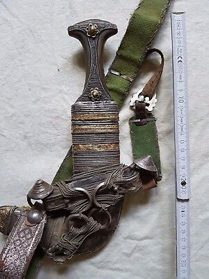 Jambiya Dagger Knife Omani Arab Silver with Handle and Belt 9th C.