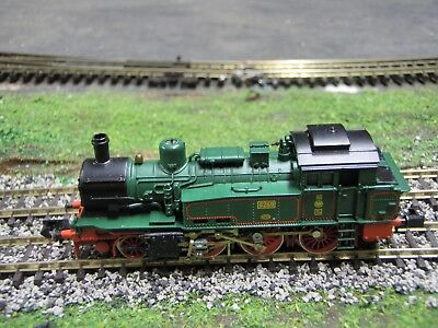 N Scale Arnold 2-6-0 Tank Engine